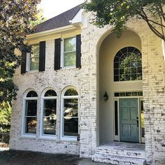 Beautiful Use Of Romabio Classico Limewash In Peachtree City Ga By Andre S Old Masters Craftmanship Product Exterior Brick Painted Brick House House Exterior