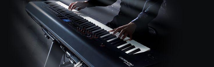 Roland RD-800 Stage Piano  RD-800 Piano Stage Evolusi dari Sebuah Instrumen Klasik  Lebih dari 25 tahun, seri RD stage piano yang sangat dibanggakan menjadi pilihan dari artis-artis ternama di dunia. Membawa Tradisi RD ke generasi selanjutnya, RD-800 menawarkan body yang ramping, penampilan yang diperbarui dan banyak pengembangan di segi suara, feel dan fleksibilitas.