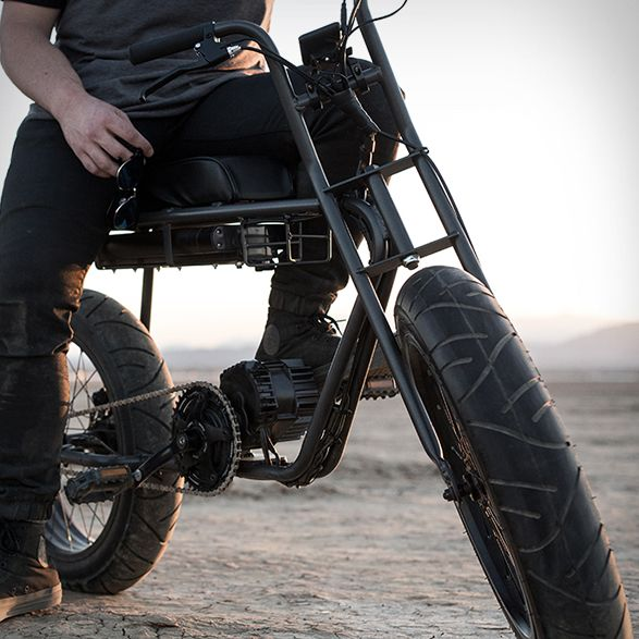 The Super 73 Electric Bike has a Californian design, a whole multitude of features and gets you around in style. The little cruiser is powered by a 1,000 watt motor letting it reach a top speed of 25mph. No licence required. Other notable features in