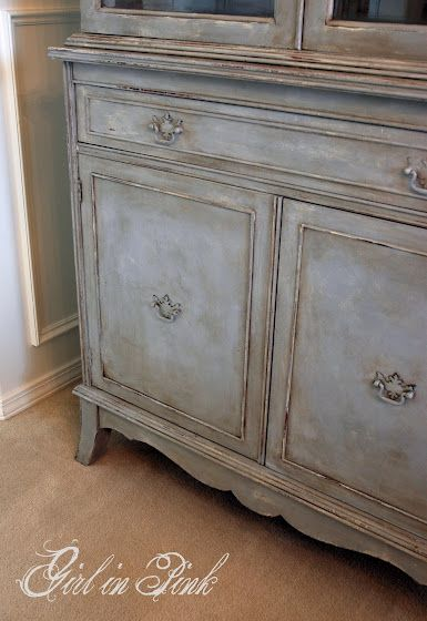 How To Get This Finish Coat Of Old White Chalk Paintingpainting Furniturepainting