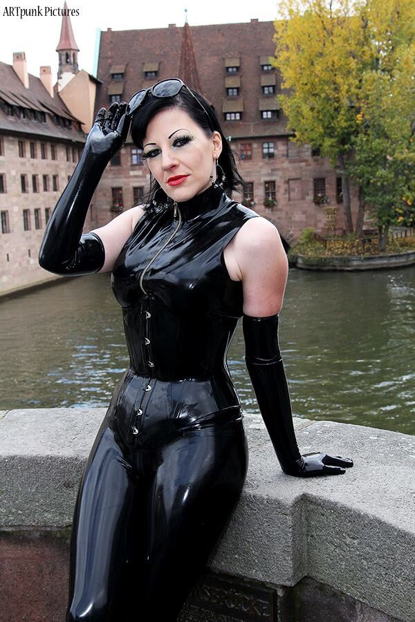 Pin auf Latex and leather
