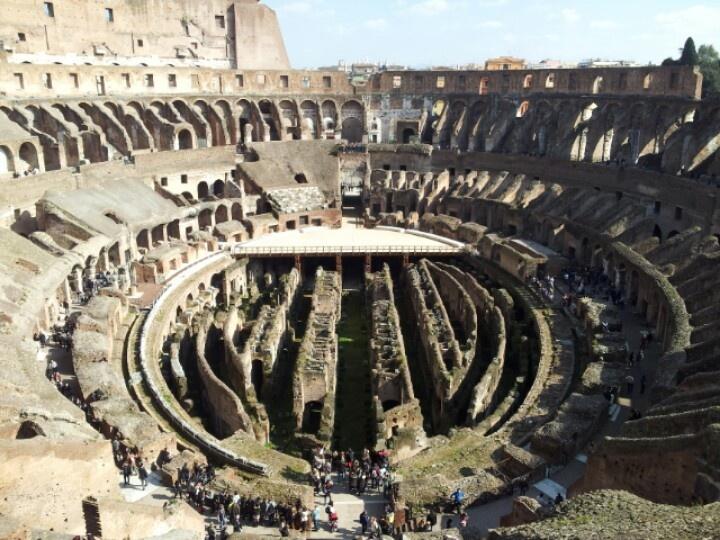 Il Colosseo visto dall'alto del suo terzo anello