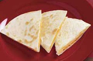 how to make a cheese quesadilla in the microwave