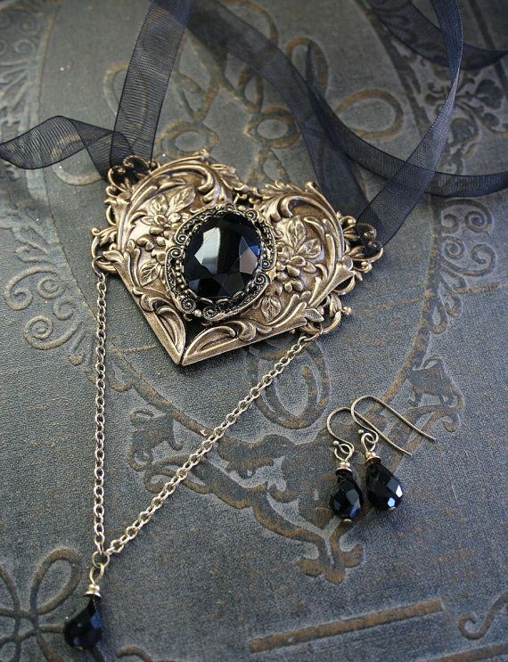126 best gothic schmuck images on pinterest goth jewelry jewerly and diy kid jewelry. Black Bedroom Furniture Sets. Home Design Ideas
