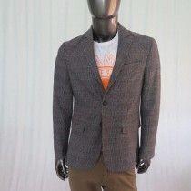 Giacca uomo Parker W. Made in Italy, colore grigio con riquadri e con sottili righe rosse. chiusa a due bottoni