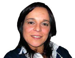 Sílvia Ferreira - Coach e consultora, com uma vasta carreira em Formação Empresarial, nas áreas de Vendas e Apoio Comercial, Estratégia, Finanças, Gestão e Liderança. Licenciada em Gestão, com pós-graduação na mesma área, possui mais de 16 anos de experiência profissional em grupos empresariais de referência e PMEs.