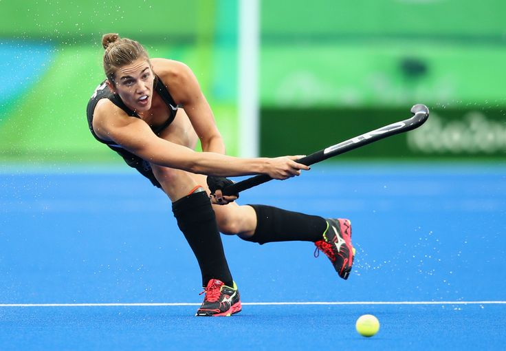 Brooke Neal of New Zealand passes the ball during the Women's Pool A Match between Spain and New Zealand on Day 5 of the Rio 2016 Olympic Games at the Olympic Hockey Centre on August 10, 2016 in Rio de Janeiro, Brazil.