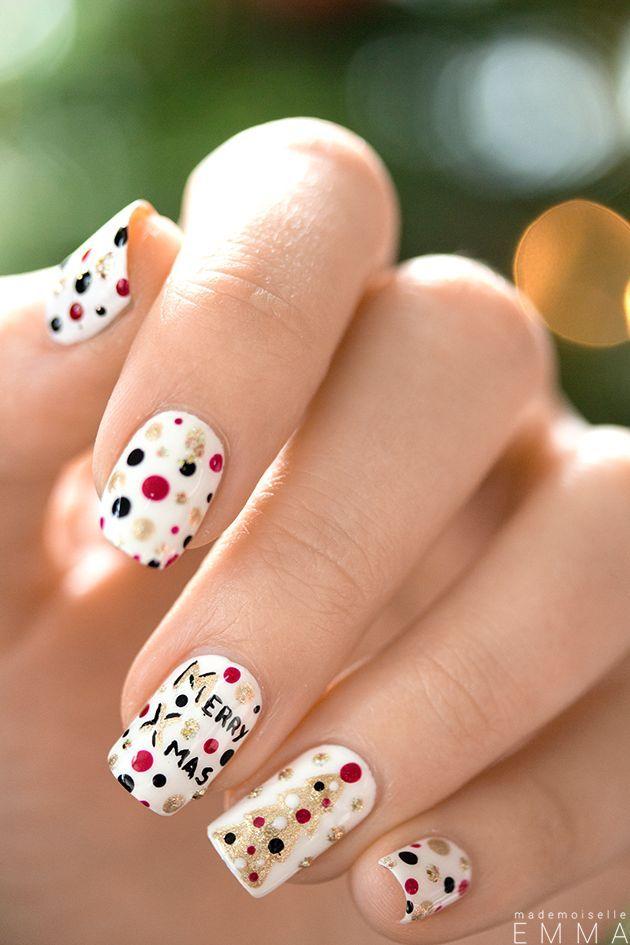 Joli nail-art pour Noël Pour plus d'astuces beauté, rendez-vous sur notre site ( https://www.beautiful-box.com/ ) et page facebook ( https://www.facebook.com/chaineBeautifulbyaufeminin )