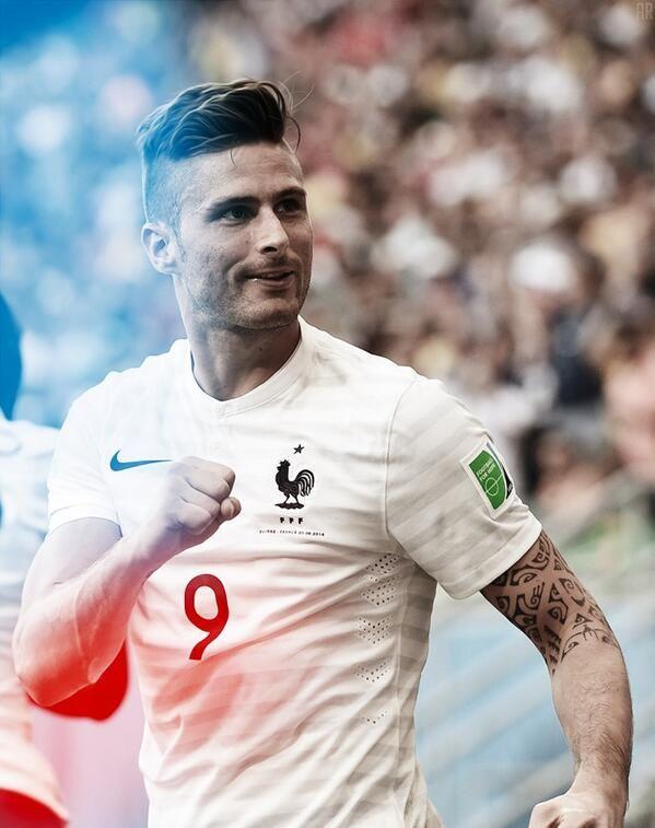 Equipe de France : Les coupes de cheveux qui décoiffent ! - http://www.actusports.fr/107523/equipe-france-les-coupes-cheveux-decoiffent/