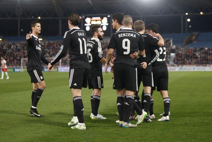 Real najadł się strachu. Casillas błysnął, Ronaldo przechodzi samego siebie. http://sport.tvn24.pl/pilka-nozna,105/primera-division,114/primera-division-almeria-real-1-4,498207.html