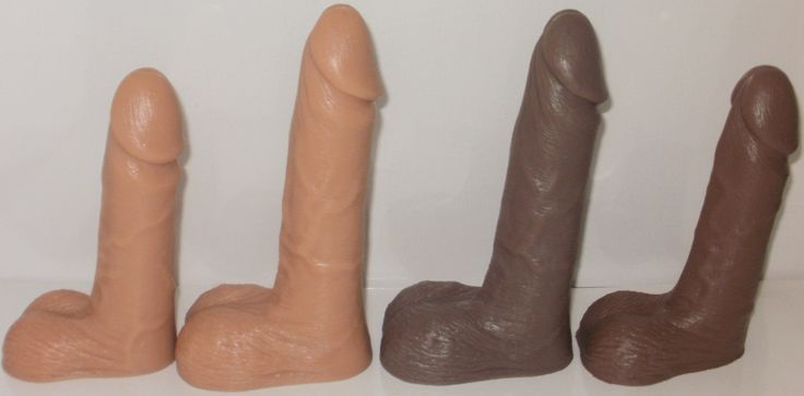 SIDE VIEW OF THE MEDICAL SILICONE MALE CONDOM DEMONSTRATOR....IMPORTED BY QUANTUMED FROM THE USA.
