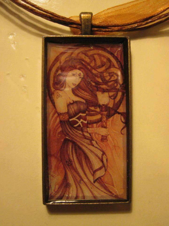 Handmade, art, resina , celtic lady 2  For info: Gatta Bastrada Creazioni (facebook) https://www.facebook.com/pages/Gatta-Bastarda-Creazioni/237047259684340?ref=bookmarks
