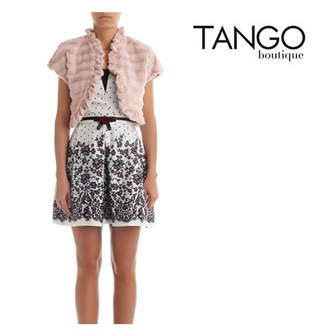 Γούνινο Μπολερό Rinascimento 75838003 Για την τιμή και τα διαθέσιμα νούμερα πατήστε εδώ - http://www.tangoboutique.gr/.../younino-mpolero... Δωρεάν αποστολή - αλλαγή & Αντικαταβολή!! Τηλ. παραγγελίες 2161005000
