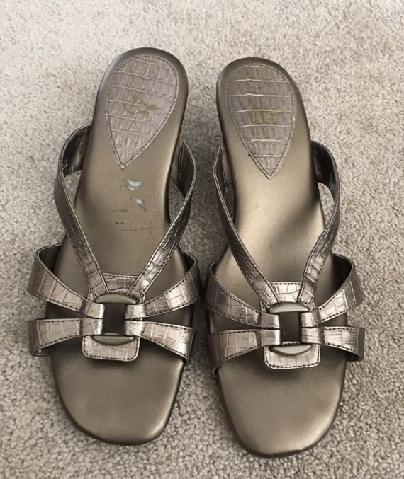 Check out this item in my Etsy shop https://www.etsy.com/listing/517601127/vintage-summer-sandals-pewter-color-size