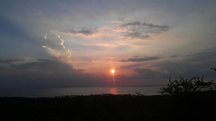 "28 Likes, 1 Comments - bkcDeuxFois (@bkcdeuxfois) on Instagram: ""yet another fantastic #hawaiiansunset #sunset #hawaii #bigisland #bigislandhawaii #aloha #kona…"""
