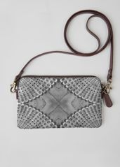 Retro BW statement clutch: What a beautiful product!