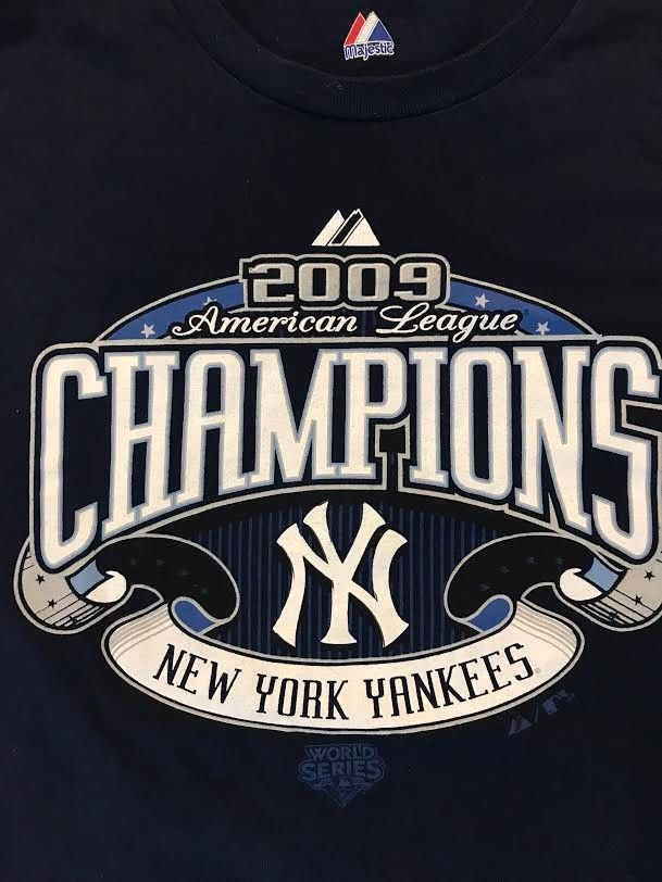 New York Yankees 2009 AL East Champions T Shirt Roster M Medium Majestic  EUC MLB  Majestic  NewYorkYankees 0febf91b34e9