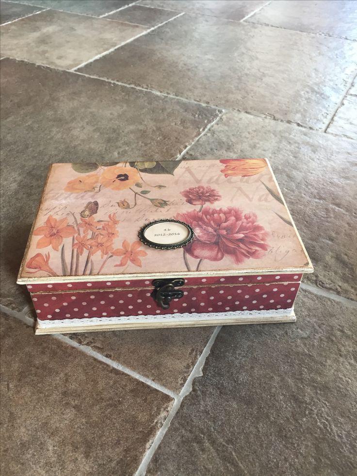 Bordó ékszeres doboz