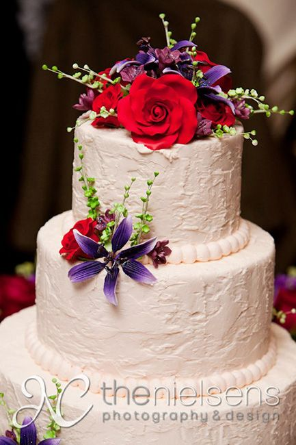 17 Best images about Cakes!! on Pinterest Spray roses ...