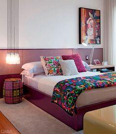 decoracao-quarto-contemporaneo-roxo-rosa-estampa-diego-revollo-01