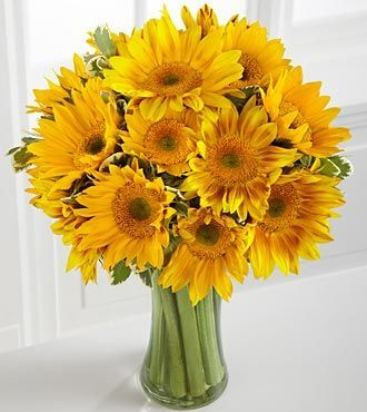 Endless Summer Sunflower Bouquet Flowers Online Ftd Com Send Flowers Plants Gifts Same Da Sunflower Arrangements Sunflower Bouquets Beautiful Flowers