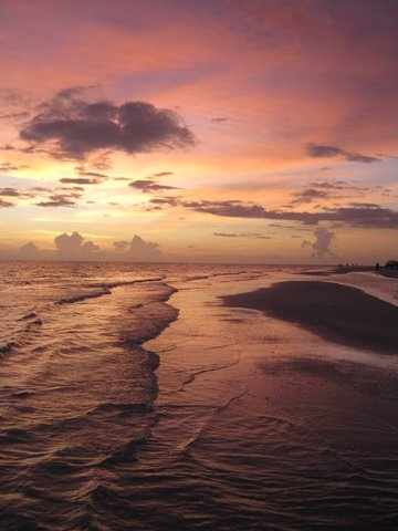 Just another evening living in Sarasota, Florida, on Lido Beach...