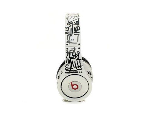 MONSTER BEATS STUDIO SCRAWL BY DR DRE LIMITED EDITION HIGH DEFINITION has been published to http://www.discounted-tv-video-accessories.co.uk/monster-beats-studio-scrawl-by-dr-dre-limited-edition-high-definition/