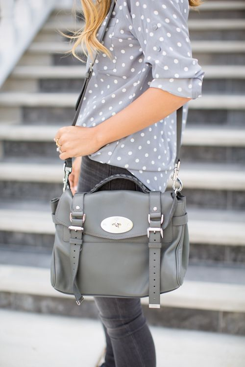 LOVE this look! The bag too (yes, I know, I said I don't use bags...but you're inspiring me!)