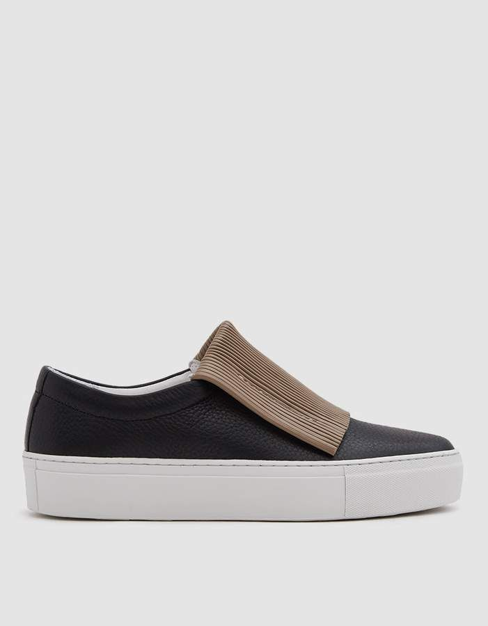 d3c5b782206e89 Curio Corrugated Sneaker in Black   Taupe  Contrasting toe upper ...