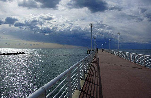 Pier, Marina di Massa