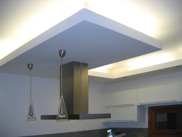 faux plafond cuisine のおすすめアイデア 25 件以上 インダストリアルシーリングファン 木製の天井のデザイン 木製のカウンター