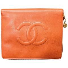 MINT. 90's Vintage CHANEL caviar travel and cosmetic case pouch, mini bag.
