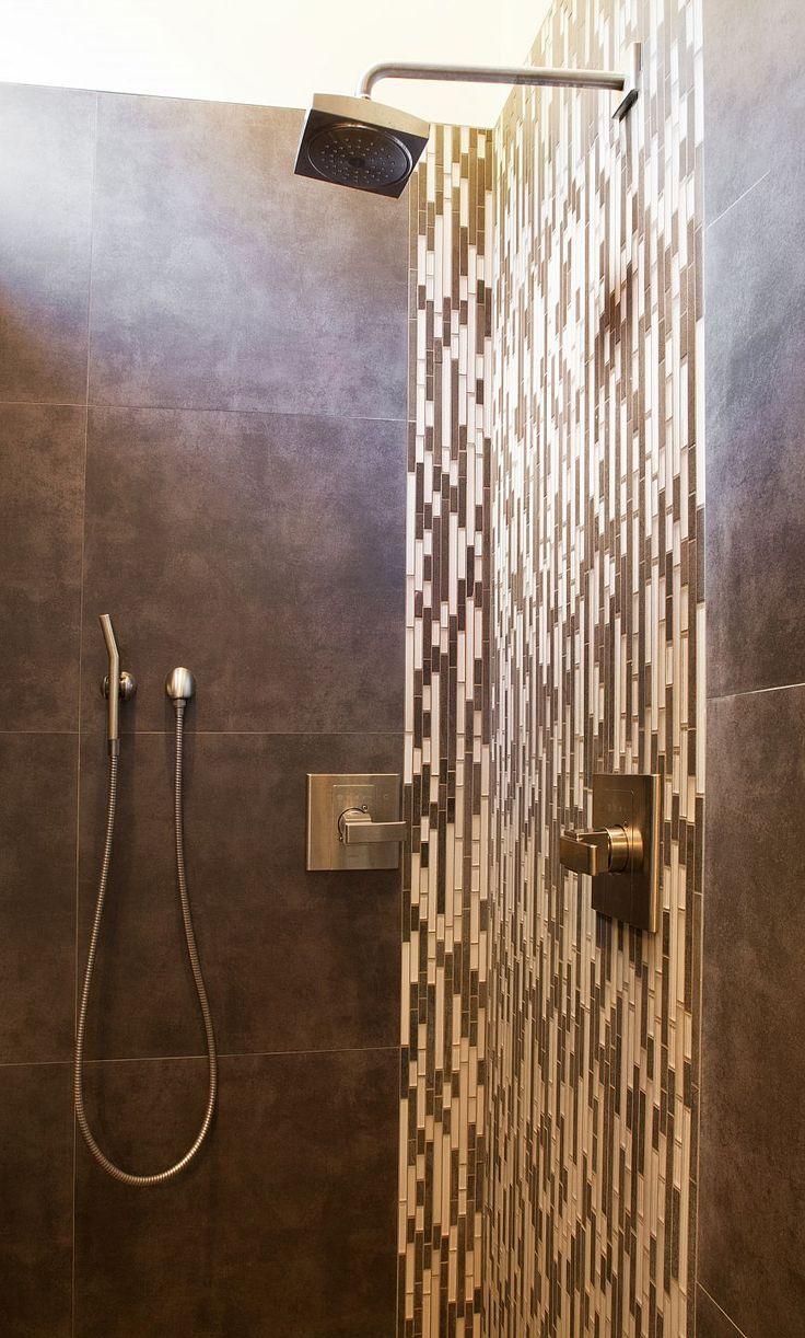 Amanda Webster Design: Classic Contemporary Bathroom Shower Interior Design / Photo: Neil Rashba