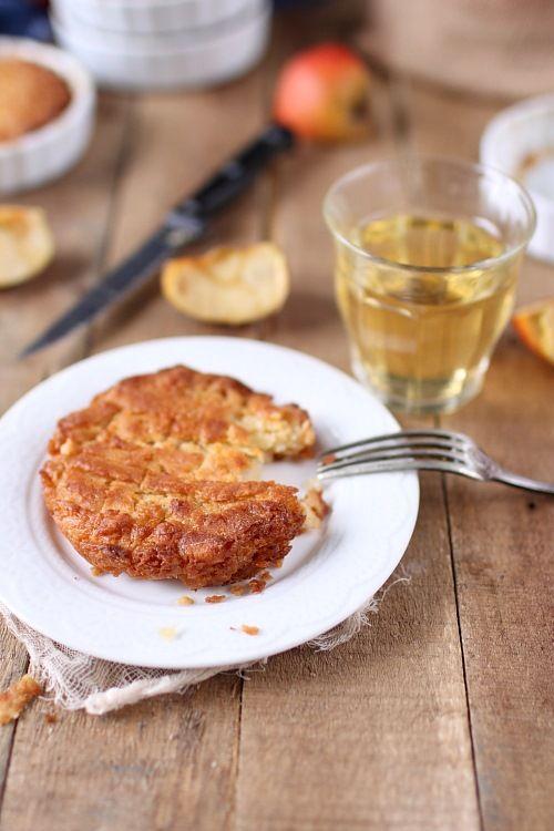Si vous êtes en Bretagne ou si vous allez y passer vos vacances goûtez absolument le kouign amann ! Nous on adore ! N'ayez pas peur du sucre et du beurre par contre ;) #Bretagne #Recette