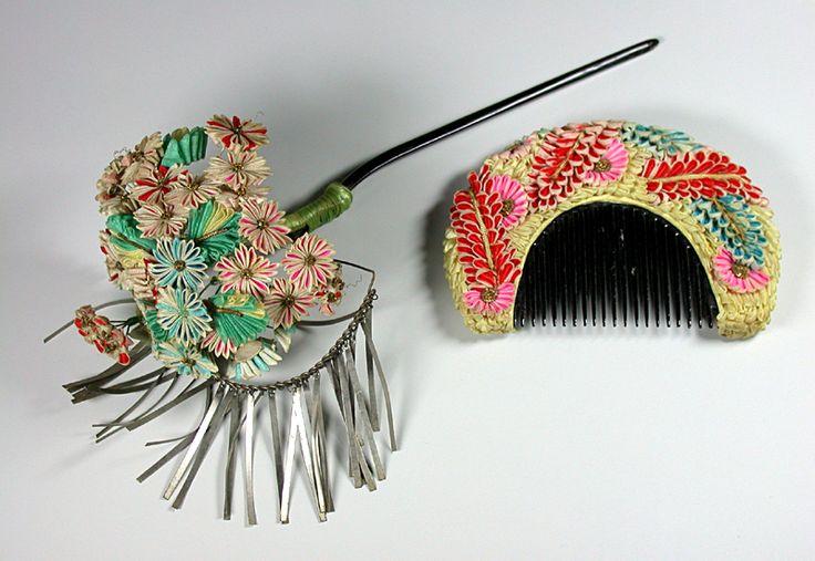 Parure décorée de fleurs de soie