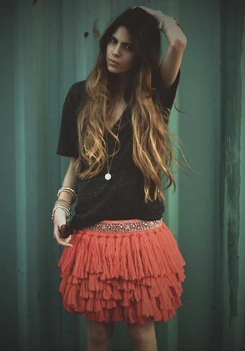 Love that skirt. Via hippie masa on tumblr.