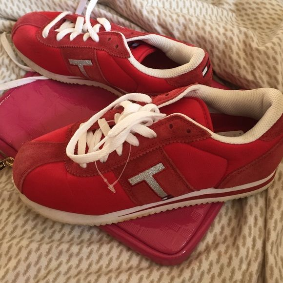FINAL SALEUsed once Tommy Hillfeger red shoes. Used once really nice style of a Tommy shoes. Some black marks as seen in the pictures Tommy Hilfiger Shoes