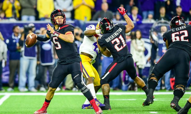 Skipping baseball could lead to big season for Texas Tech's Mahomes = When Patrick Mahomes II decided to not play on Texas Tech's baseball team this past season, it allowed him to fully immerse himself in football. His dedication to spring practice came at a price, though, when the Red.....