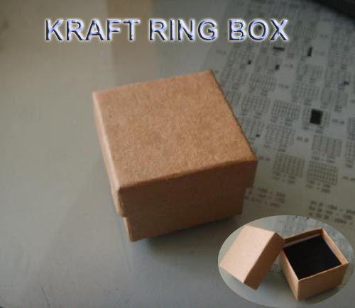 Купить товарБесплатная доставка оптовая продажа 100 шт./лот крафт бумаги box мода палец кольцо коробка для ювелирных изделий 5 * 5 * 3.8 см в категории Коробки для упаковкина AliExpress.                   Арт. №:             DBX104                                     Название:  Мода палец кольцо поле
