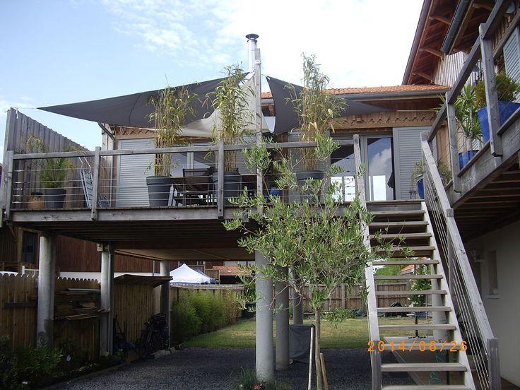Location vacances maison La Teste de Buch: Vue d'ensemble sur jardin terrasse et emplacements pour voitures