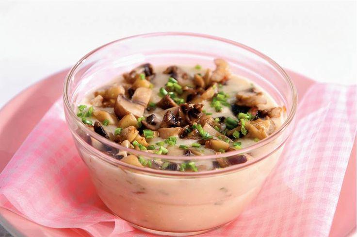 Kijk wat een lekker recept ik heb gevonden op Allerhande! Romige bloemkoolsoep met champignonlaagje