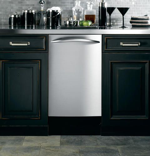 Hidden controls on GE dishwashers provide a clean, smooth appearance and only require the slightest touch to operate.