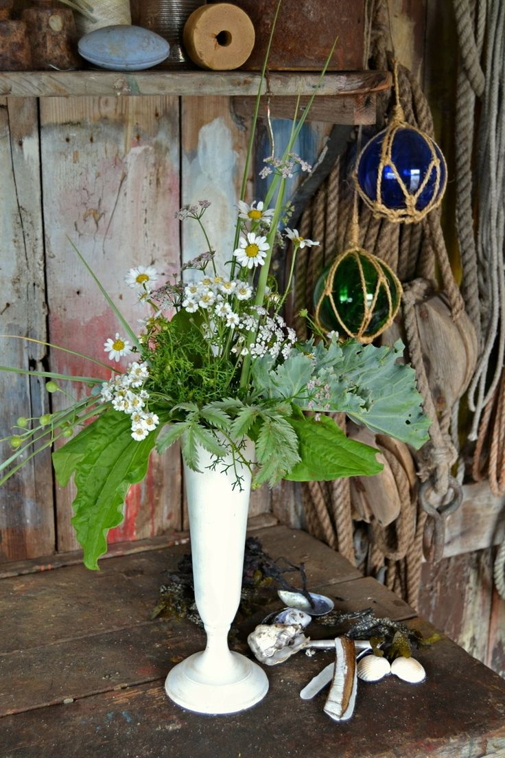 Normandie section from the Flower bouquets How-To by @Emelie Johansson Ekborg http://blog.florainspiro.com #sistermag9 #flowers #diy #how-to #france