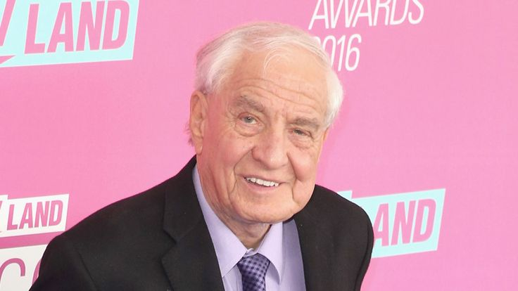 Garry Kent Marshall was an American actor, director, producer, writer, voice artist, and comedian. His notable credits included creating Happy Days and its various spin-offs, developing Neil Simon's Born: November 13, 1934, The Bronx, New York City, NY Died: July 19, 2016, Burbank, CA