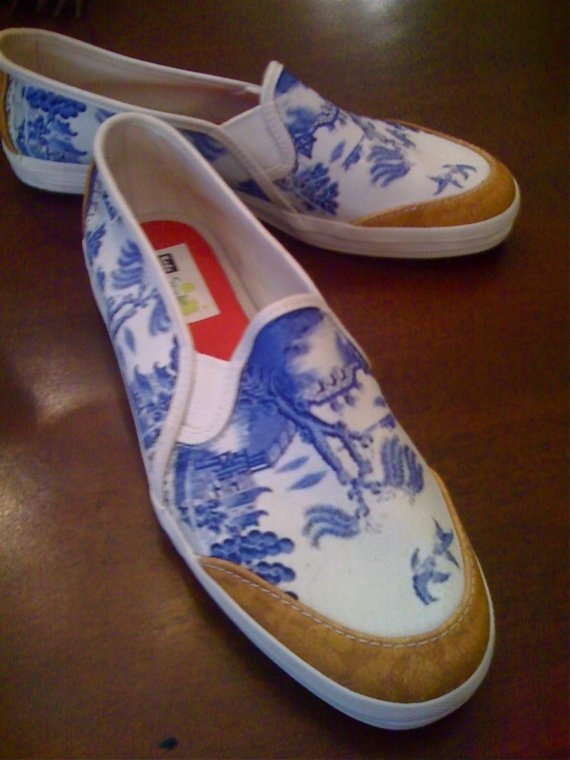 custom blue willow shoes