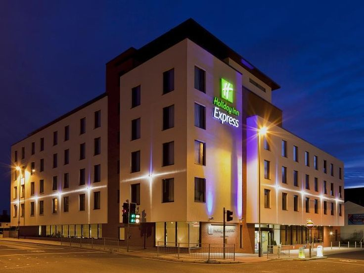 Cheltenham Holiday Inn Express Cheltenham Town Centre United Kingdom, Europe Stop at Holiday Inn Express Cheltenham Town Centre to discover the wonders of Cheltenham. Both business travelers and tourists can enjoy the hotel's facilities and services. To be found at the hotel are free Wi-Fi in all rooms, 24-hour front desk, facilities for disabled guests, express check-in/check-out, luggage storage. Designed for comfort, selected guestrooms offer non smoking rooms, desk, teleph...