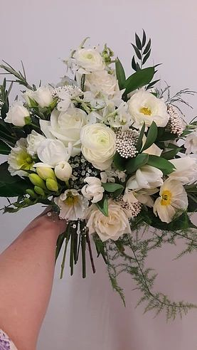 Pictures of Wedding Flowers by beaukayes florists