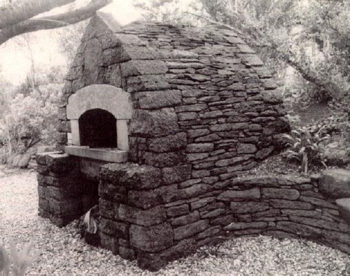 Outdoor Bread Ovens For Sale | Bread oven in California built by Alan Scott in the style of the great ...