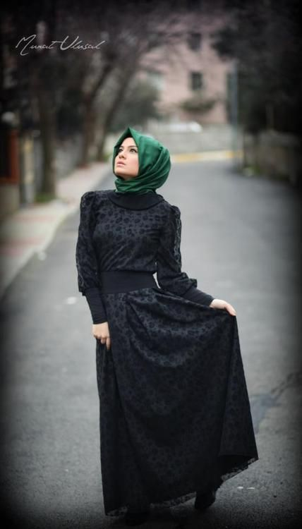 Love this style and these colors on hijabis.