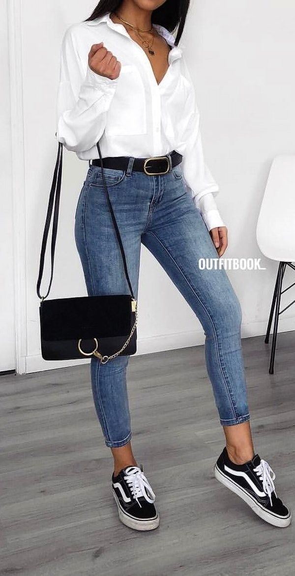 Frauen Kleiden Frühling 2019 – #spring #outfits woman in white button-up long-sleeved shirt, blue denim jeans – Janine Cn